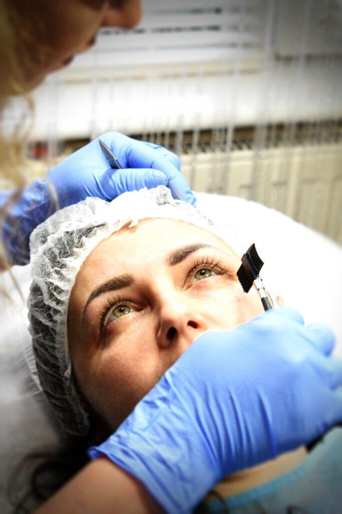 consilierea profesională micropigmentarea sprancenelor