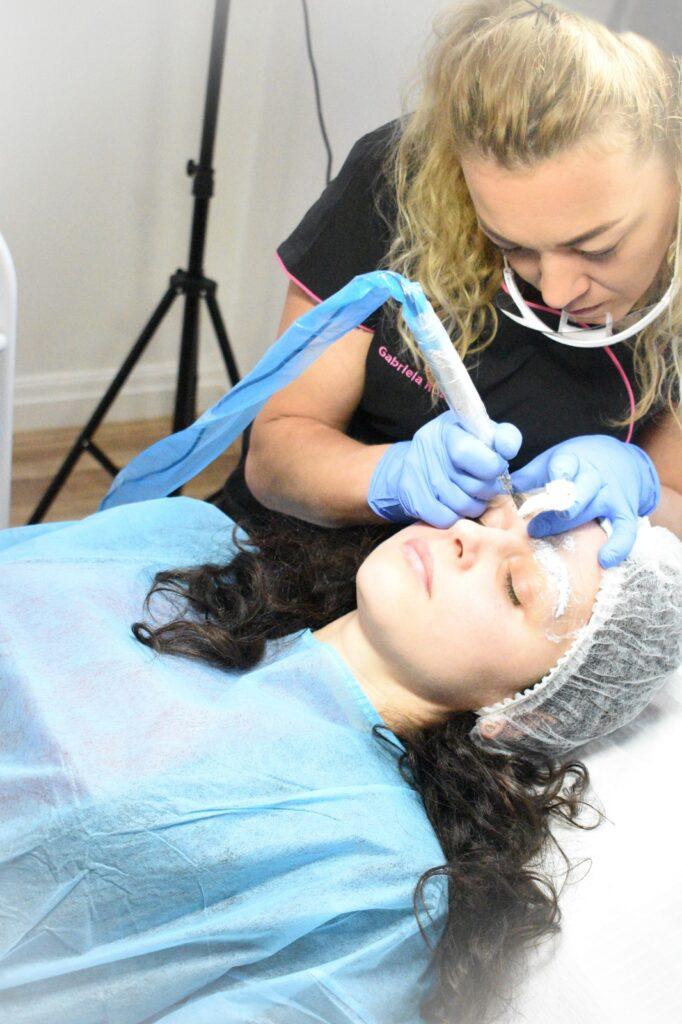 consilierea profesională permanent makeup